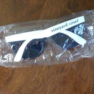 Vineyard Vines Sunglasses